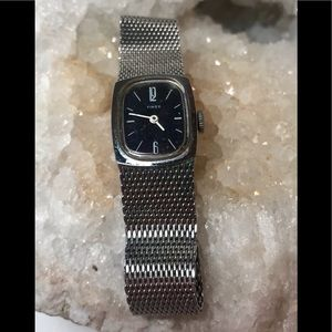 Timex Silver Tone Mesh Band Analog Watch